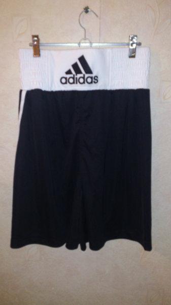 Продам Спортивная боксерская форма-майка,трусы adidas в Саранске.