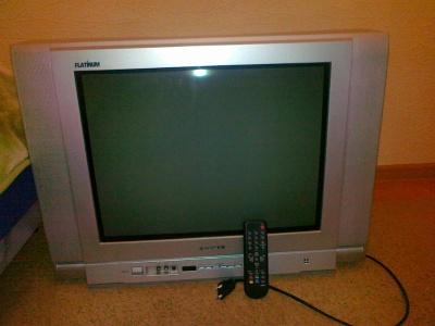 Продам телевизор , диагональ