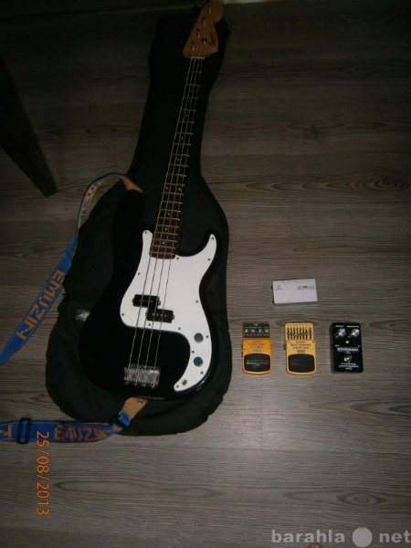 Продам: Fender Squier P bass + 3 педали + комбик