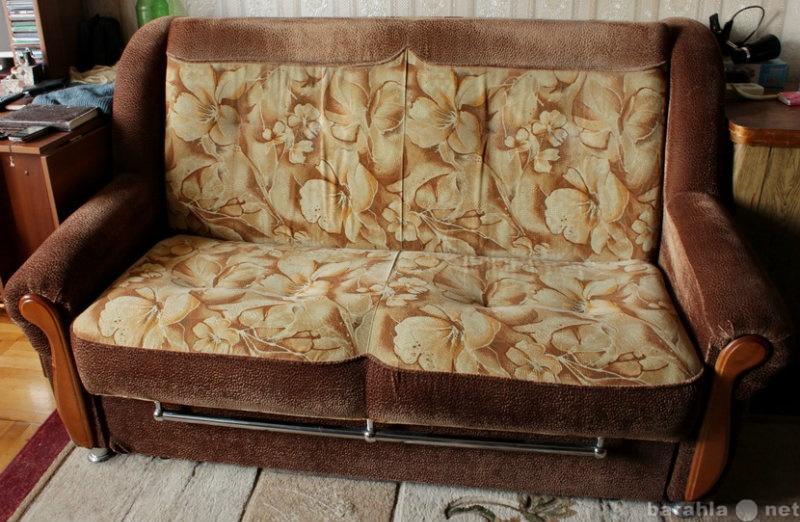 Отдам даром: диван-кровать выкатной вперед
