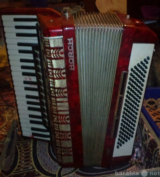 Продам: аккордеон Horch 701