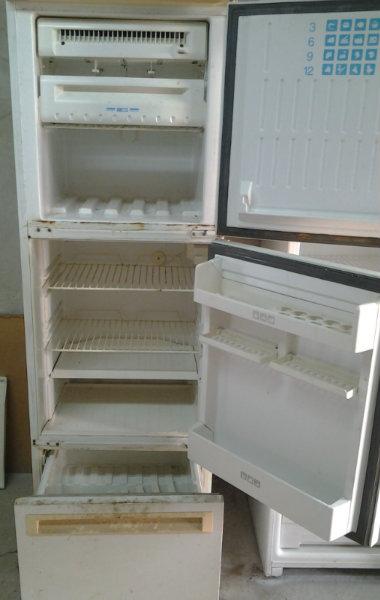 Продам холодильник Stinol -104 в Хабаровске.