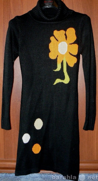 Продам Платье вязанное с цветком тёплое р.42
