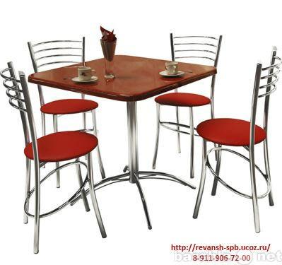 Продам Столы на металлических подстольях.