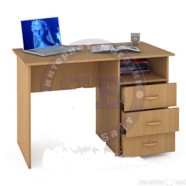 Продам письменный стол с ящиками цвета бук.