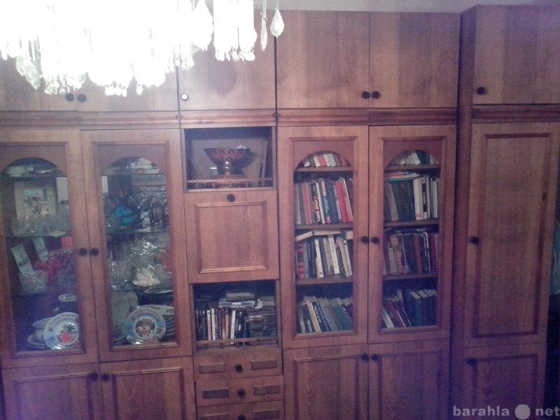 Продам Корпусная мебель (стенка) + тумба под те