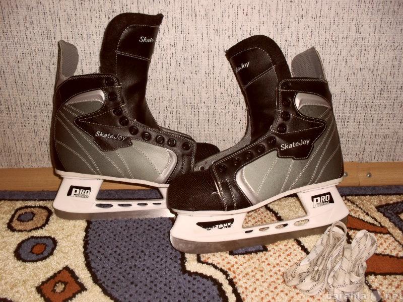Продам коньки хоккейные