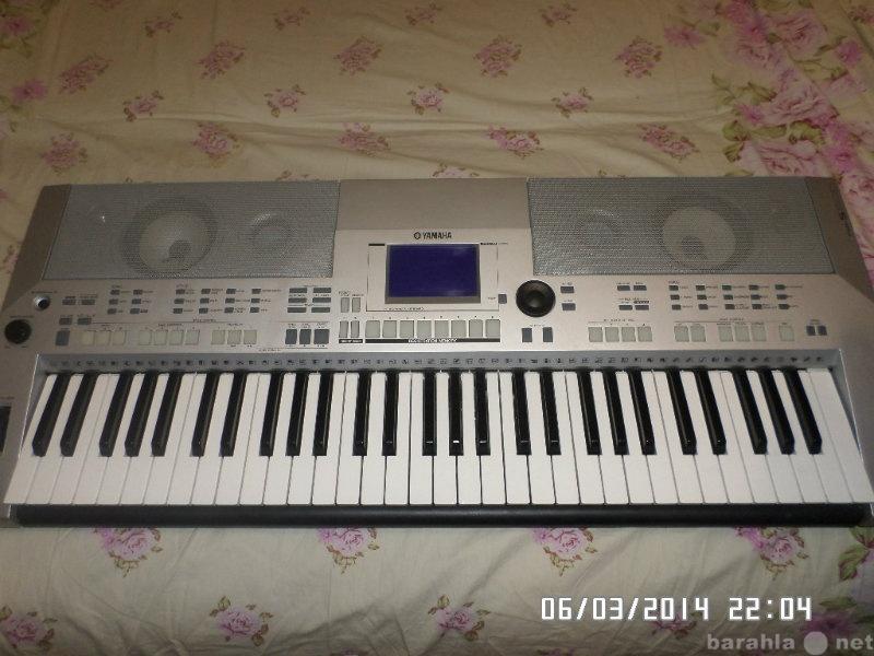 Продам синтезатор YAMAHA PSR-S500