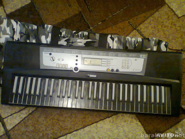 Продам Синтезатор yamaha psr e213