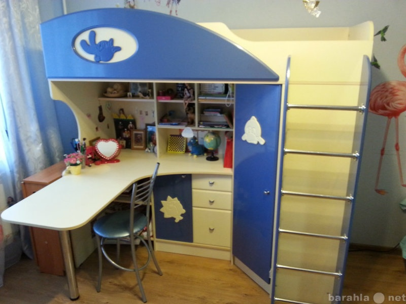 Продам: Компактный набор для детской комнаты