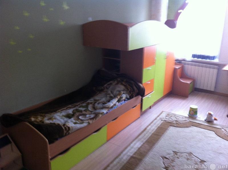 Продам детская двух ярусная кровать со шкафом