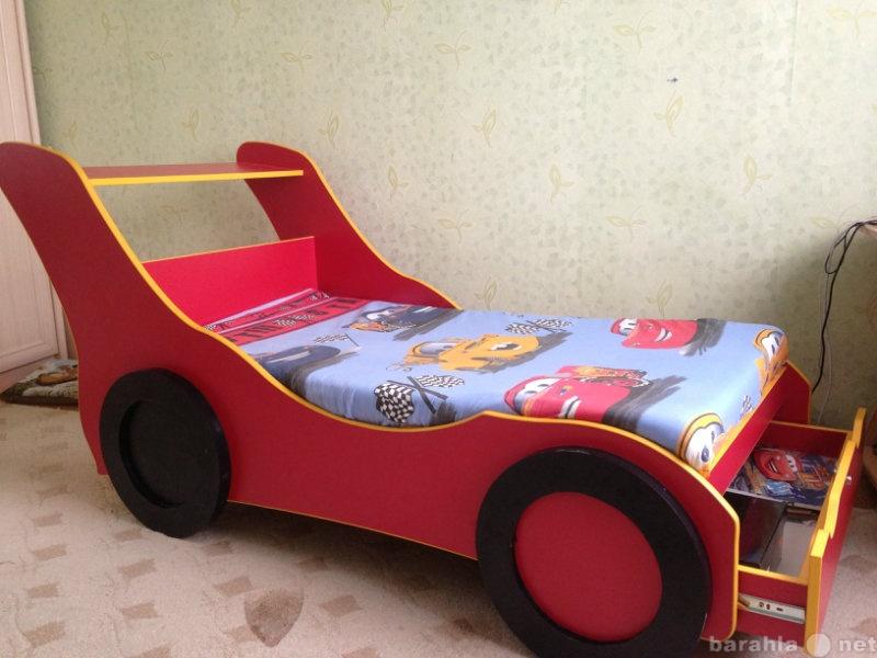 Продам кровать-машинку Ferrari