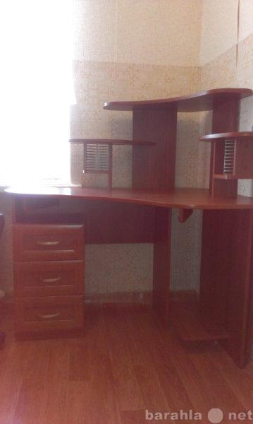 Продам: Угловой компьютерный стол