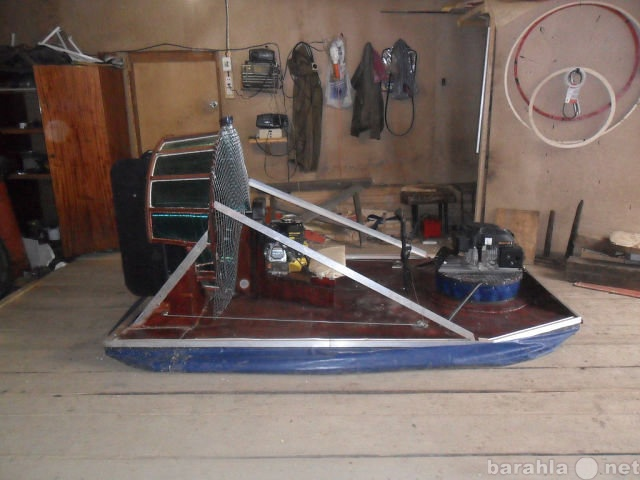 Продам лодка на воздушной подушке