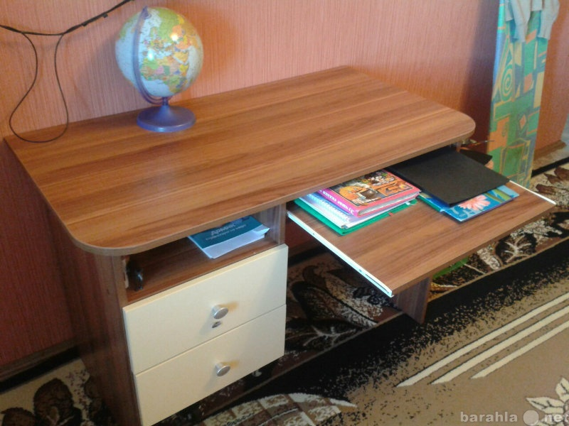 Продам Продается компьютерный стол.