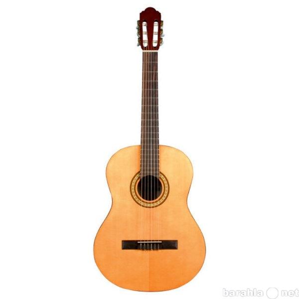 Продам классическую гитару Augusto AGC-110