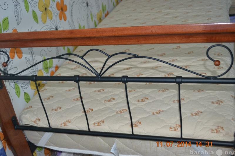 Продам кровать с кованными элементами