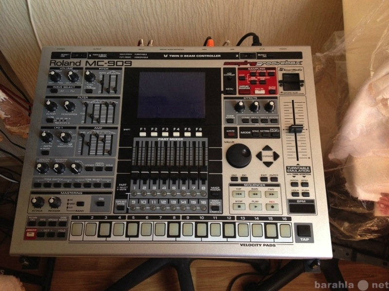 Продам Продам groovebox Roland mc 909