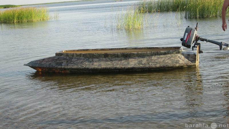 Продам пластиковую лодку