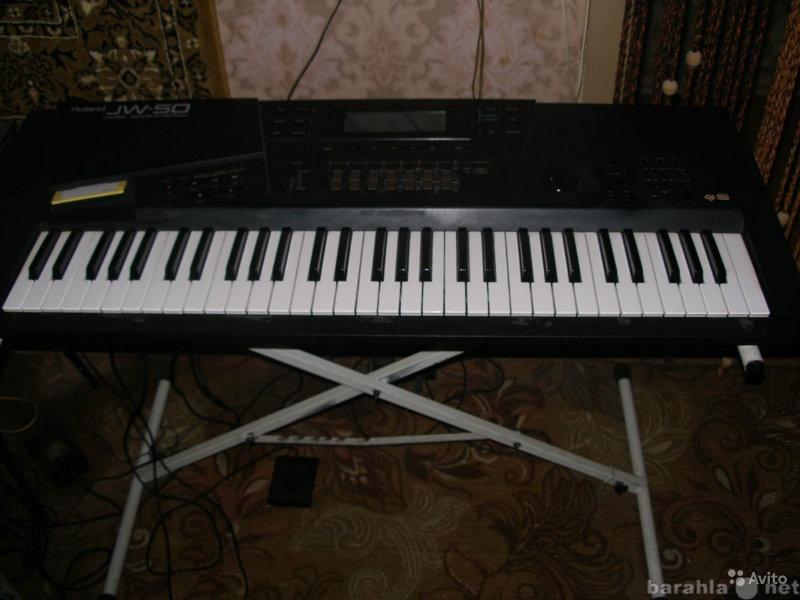 Продам синтезатор - рабочую станцию roland JW-5