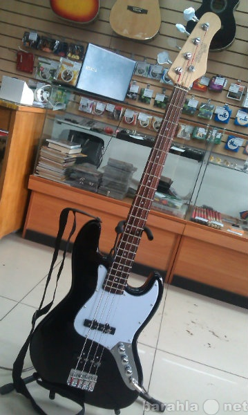 Продам Бас -гитара STAGG B300 BK