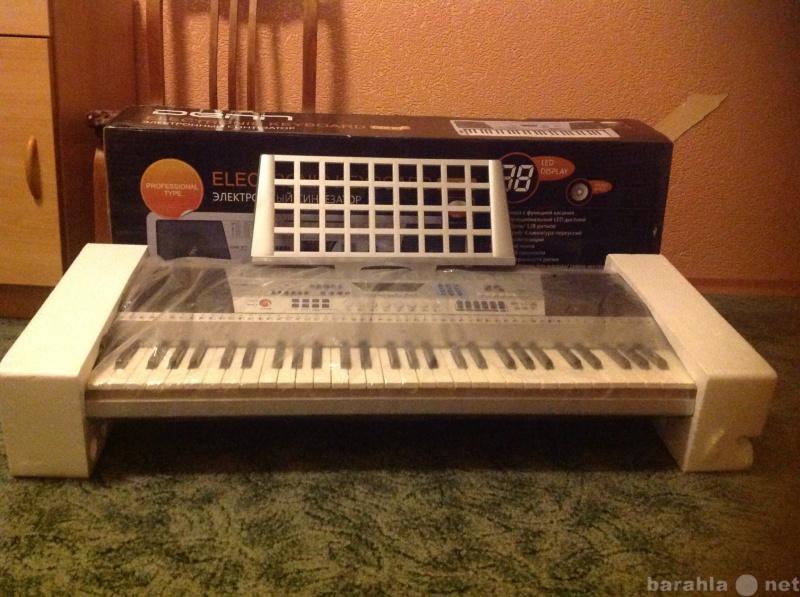 Продам Синтезатор denn 890