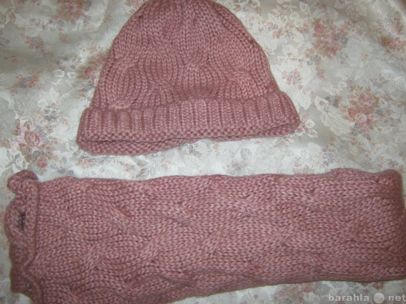 Продам Комплект шапка +шарф розовый. Польша.