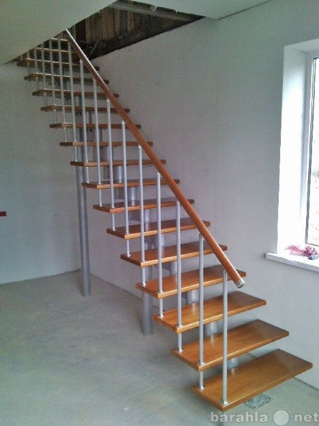 Продам: Прямая маршевая лестница 1s09