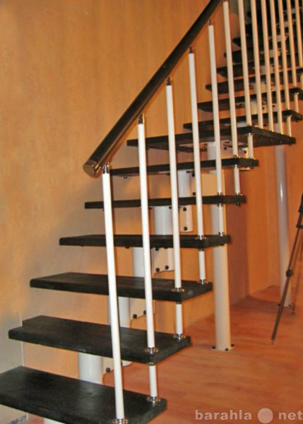 Продам: Лестница на центральном каркасе
