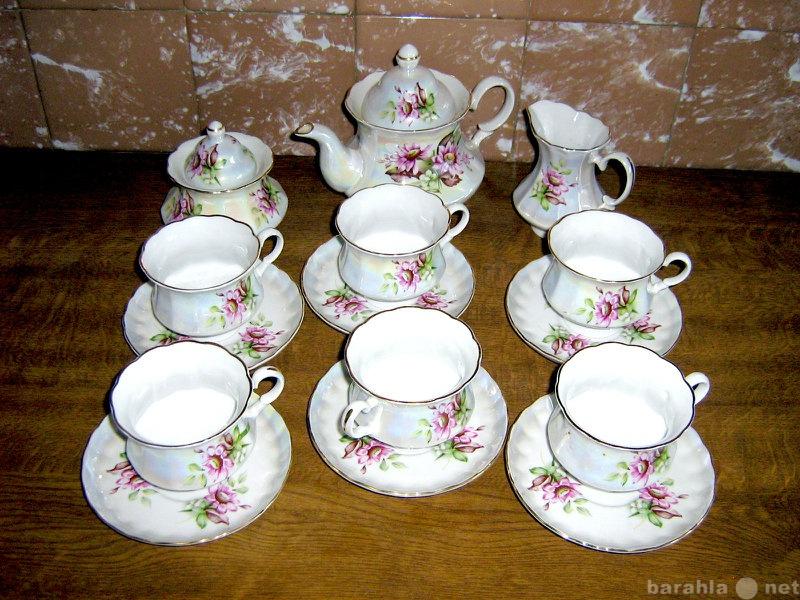 Продам изящный фарфоровый чайный сервиз