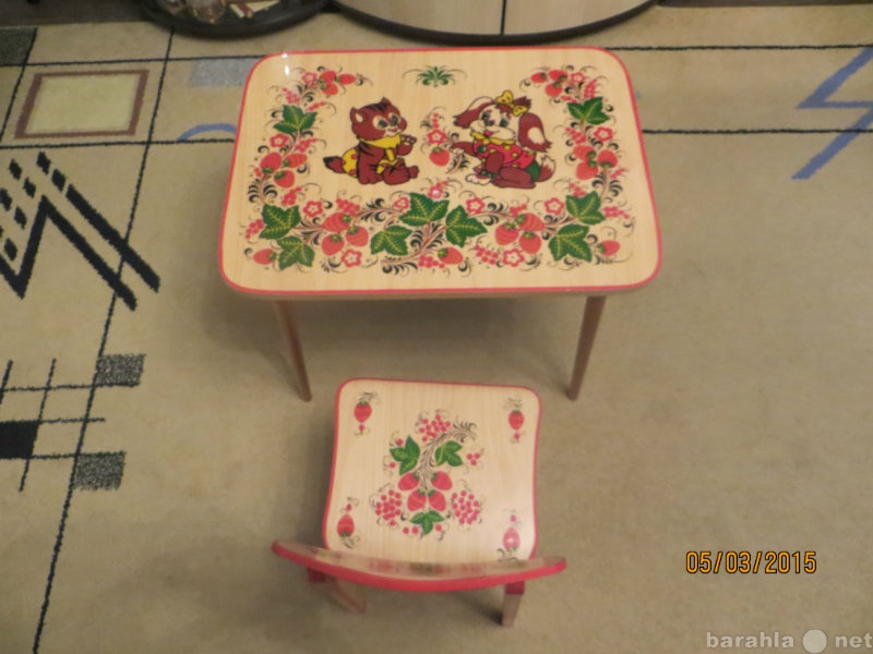 Продам стол и стульчик