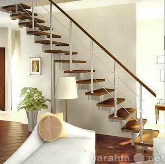 Продам: Модульные лестницы на центральном косо