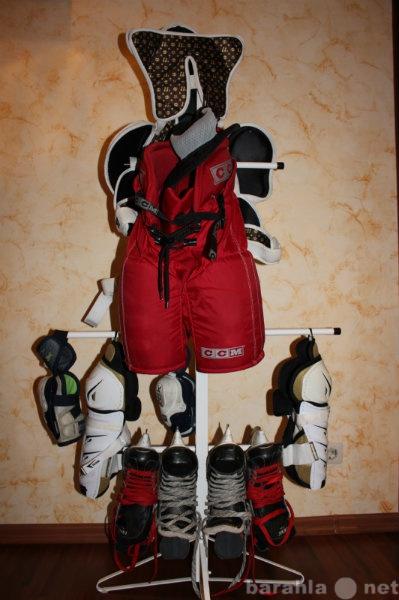 Продам: хоккейный комплект