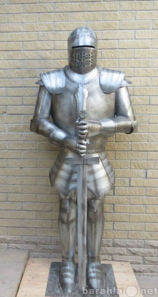 Продам: скульптура рыцаря с мечом