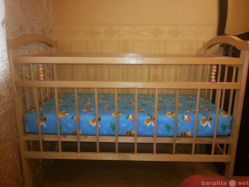 Продам Кроватка + матрас + комплект в кроватку