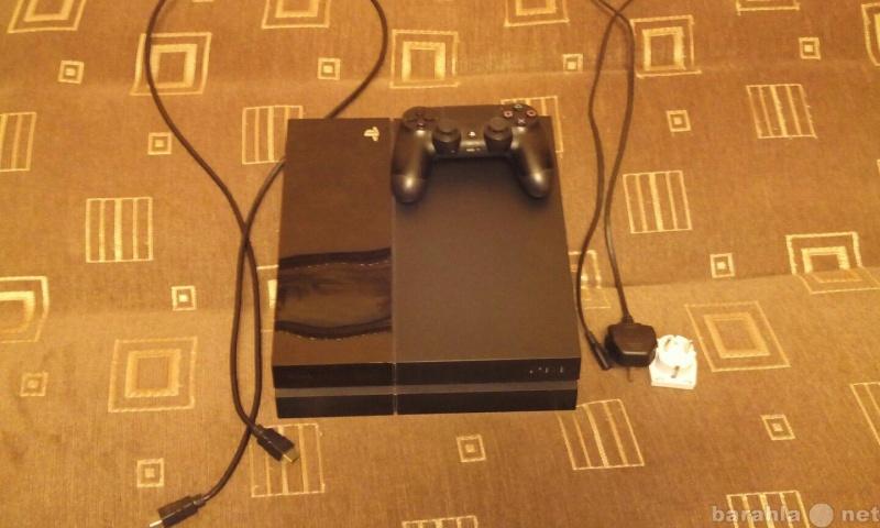 Продам: Sony PlayStation 4 (500GB) Black + 3 дис