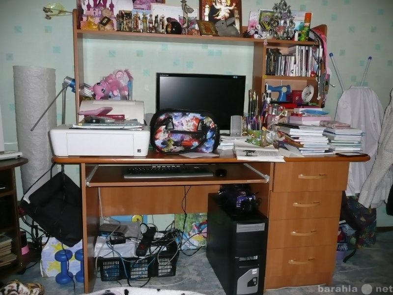 Продам: большой письменный,компьютерный стол