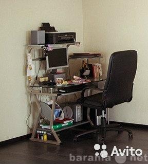 Продам Стеклянный компьютерный стол