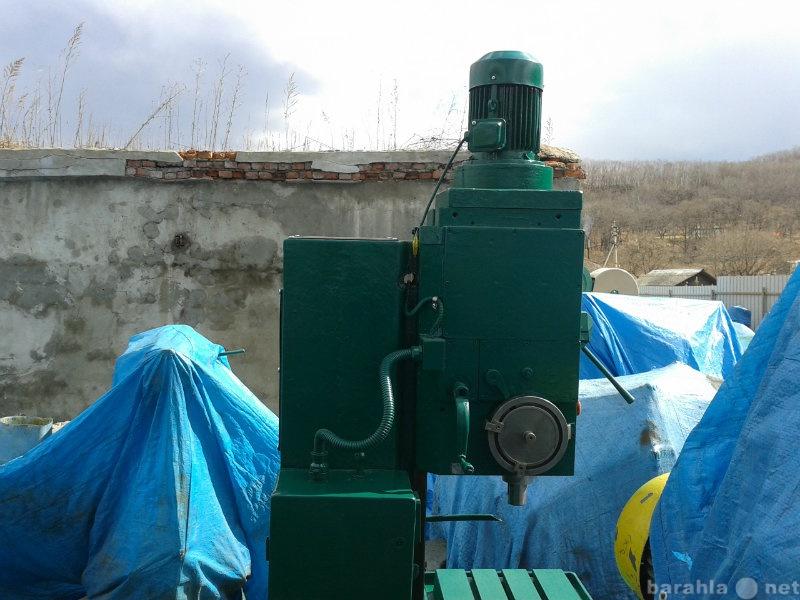 Продам Вертикально-сверлильный станок 2Н135