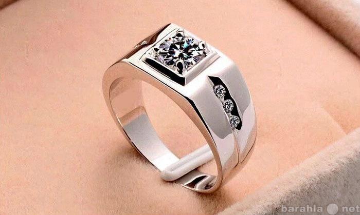 Продам: Мужское серебряное кольцо печатка класса