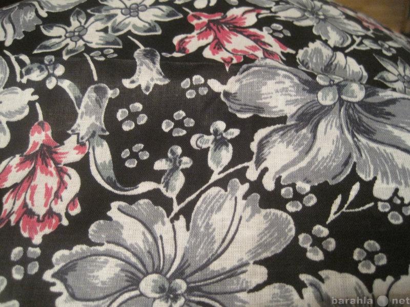 Продам Отрез -серые и розовые цветы на чёрном