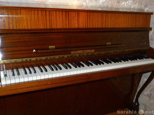 Продам пианино импортное