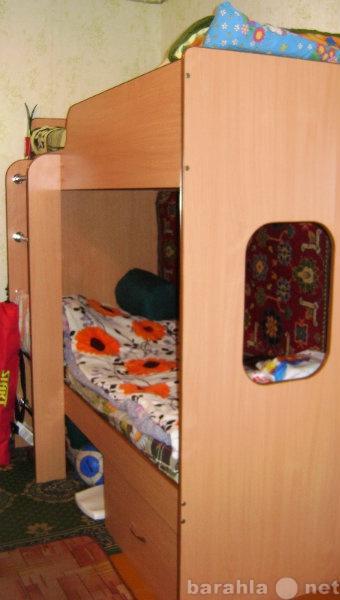 Продам кровать двухярусная и 2 матраса