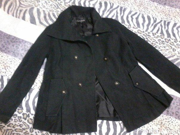 Продам демисезонное пальто для беременных