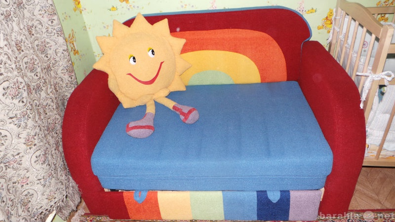 Продам Диван в детскую комнату