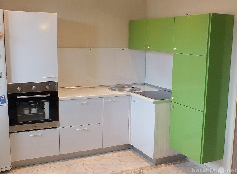 Продам Кухонный гарнитур угловой