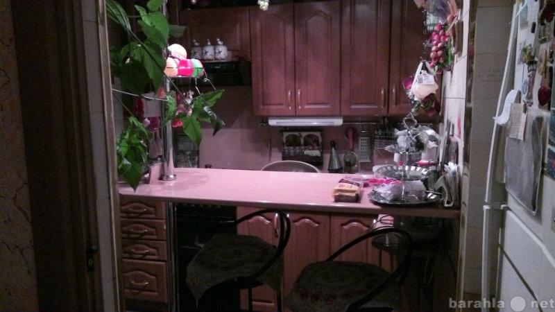 Продам: Кухонный гарнитур, вытяжка,