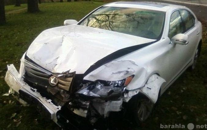 Если снится разбитая машина, стоит ждать беды.