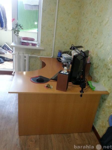 Продам: Продам компьютерный стол