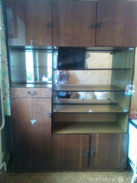Продам: Продам 2 шкафа и стол-книжку